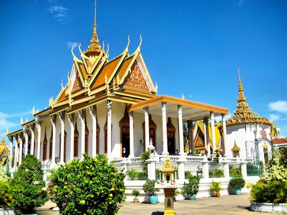 Khám phá Cung điện Hoàng Gia Campuchia - ảnh 2