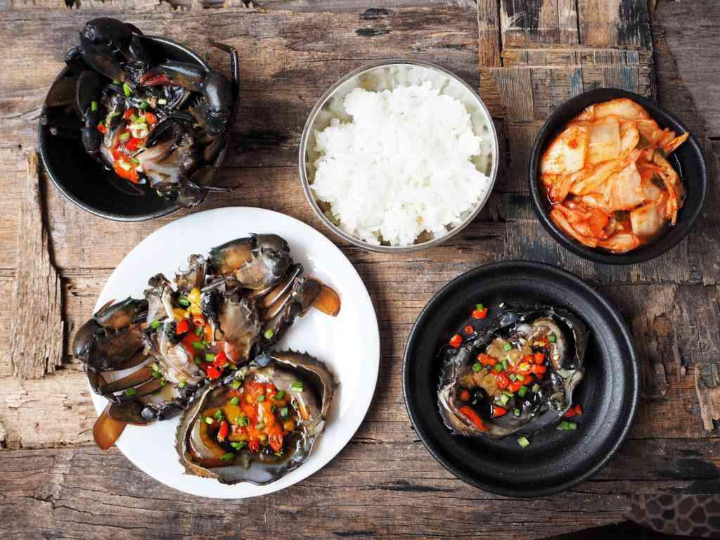 Một lần dũng cảm ăn món cua ngâm tương Hàn Quốc nổi tiếng - ảnh 6
