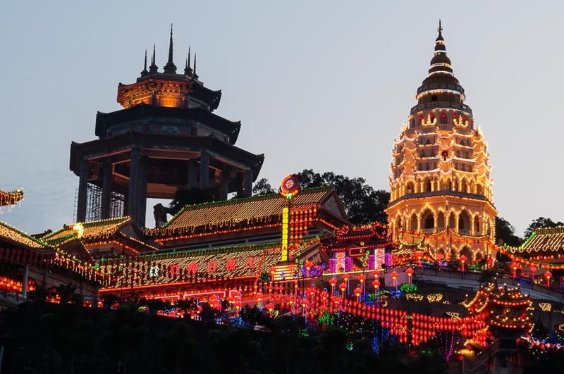 Check in chùa Kek Lokl Si - một trong những ngôi chùa lớn nhất Đông Nam Á - ảnh 3
