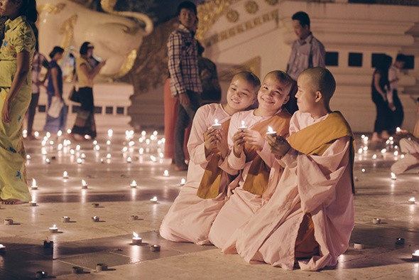 Ngẩn ngơ với lễ hội ánh sáng Thadingyut Myanmar - ảnh 3