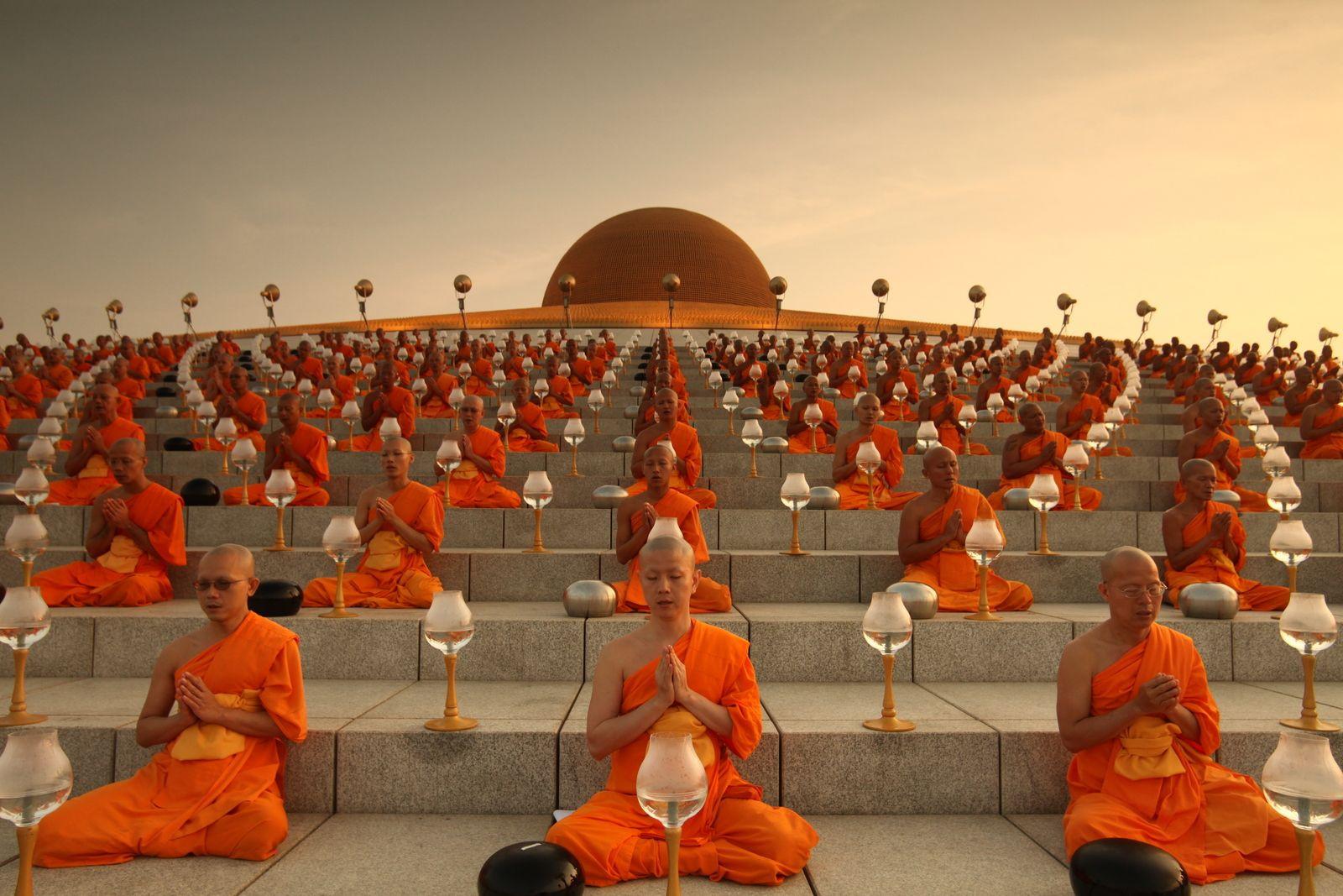 Chùa Wat Dhammakaya – ngôi chùa nổi tiếng nhất đất nước Thái Lan - ảnh 5