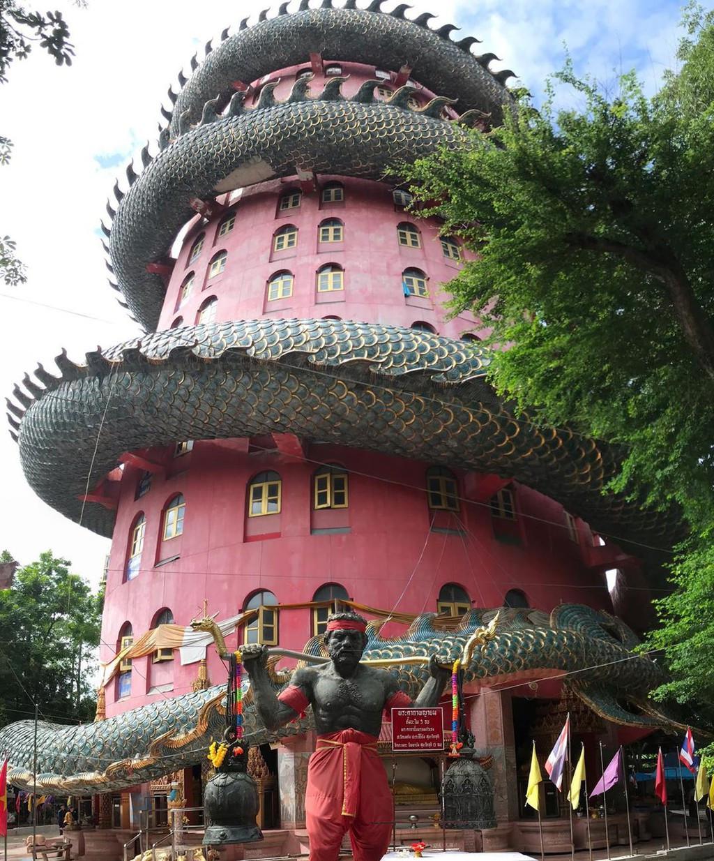 Chùa Wat Samphran Thái Lan - ảnh 2