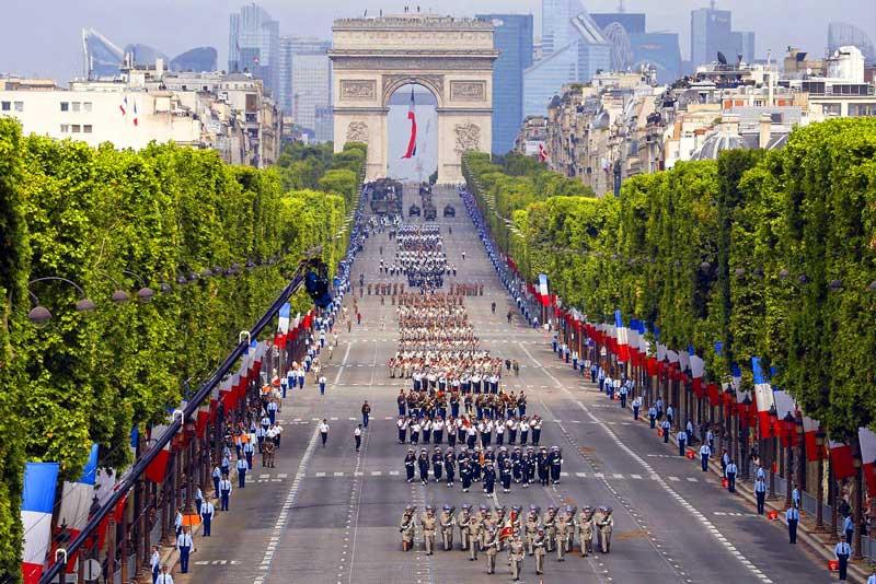 Check in đại lộ Champs-Elysees lừng danh của nước Pháp hoa lệ - ảnh 2