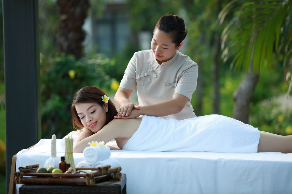 Kỳ du lịch trong mơ Royal Lotus Ha Long Resort & Villas chỉ 650,000 VND - ảnh 4