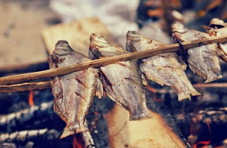 """những món ăn đặc sản Sapa ngon """"quên lối về"""" - cá suối nướng"""