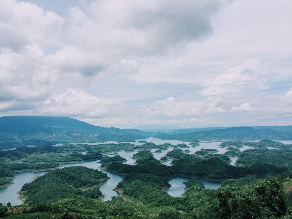 """Hồ Tà Đùng – """"Vịnh Hạ Long"""" của Tây Nguyên - ảnh 1"""