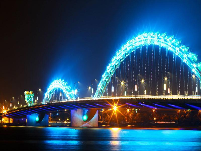 Vẻ đẹp huyền ảo của Đà Nẵng qua những cây cầu - ảnh 2
