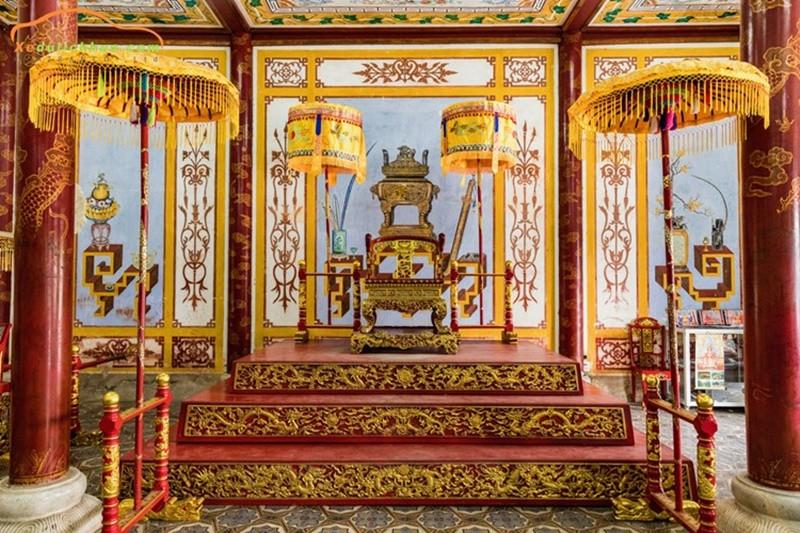 Đắm mình trong không gian kiến trúc cung đình vàng son tại Đại Nội Huế - ảnh 2
