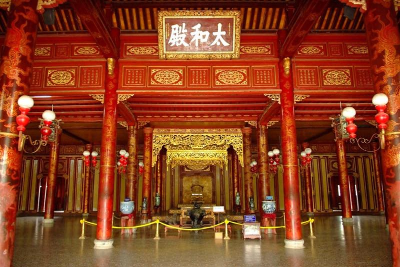 Đắm mình trong không gian kiến trúc cung đình vàng son tại Đại Nội Huế - ảnh 5