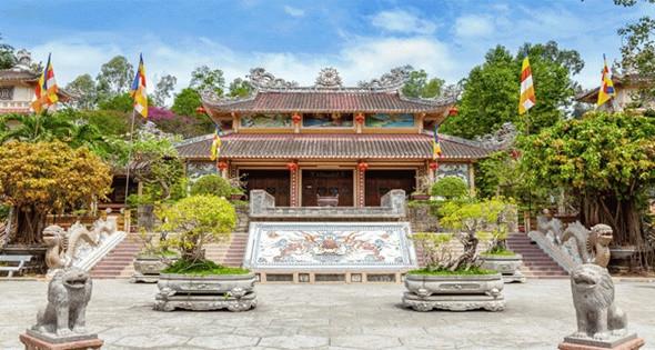 Khám phá chùa Long Sơn cổ kính - Ảnh 1