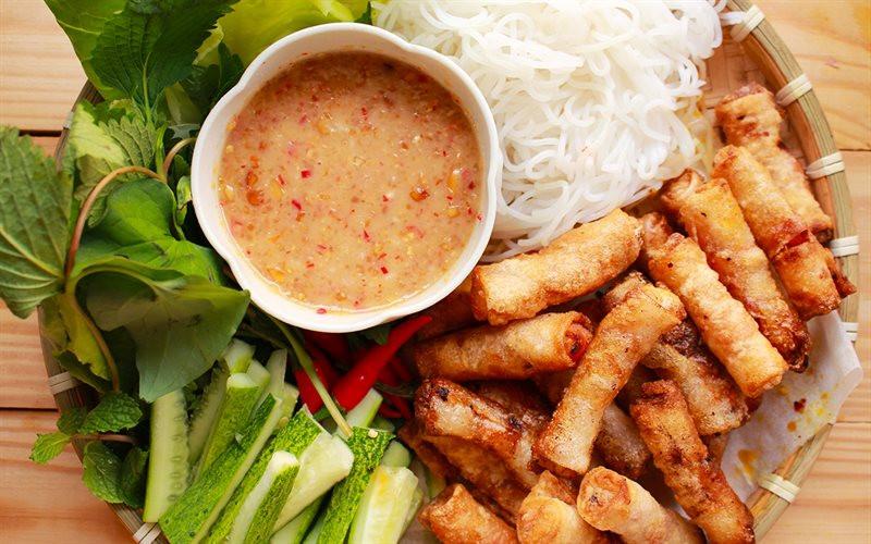 Đặt vé máy bay đến Quy Nhơn thả hồn phiêu lãng cùng thiên đường ẩm thực - ảnh 4
