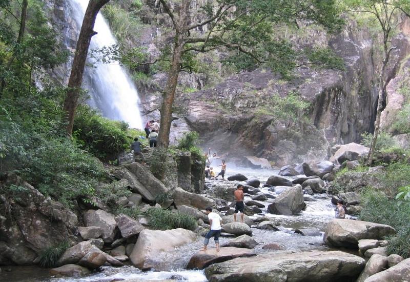 Thác nước đẹp hút hồn, khách du lịch Nha Trang khó cưỡng lại - ảnh 3