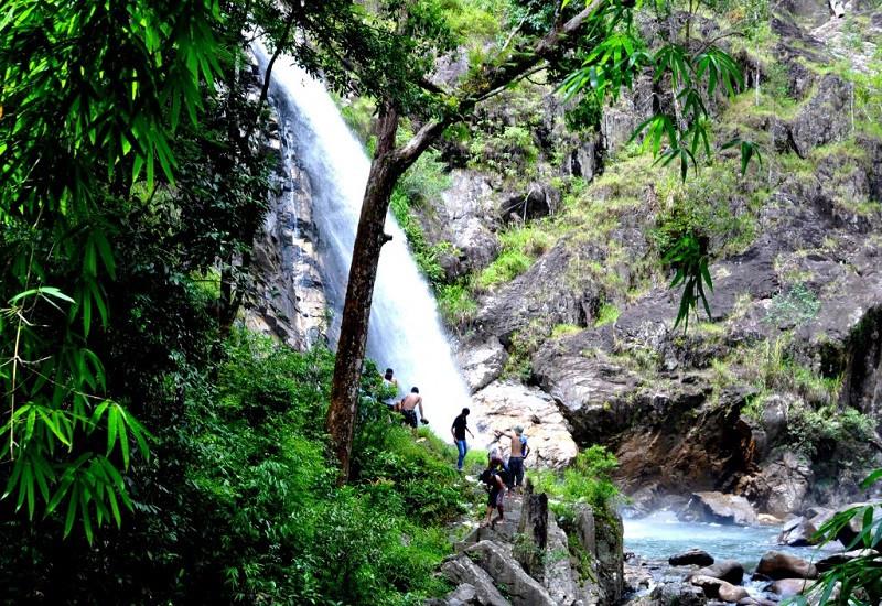 Thác nước đẹp hút hồn, khách du lịch Nha Trang khó cưỡng lại - ảnh 4