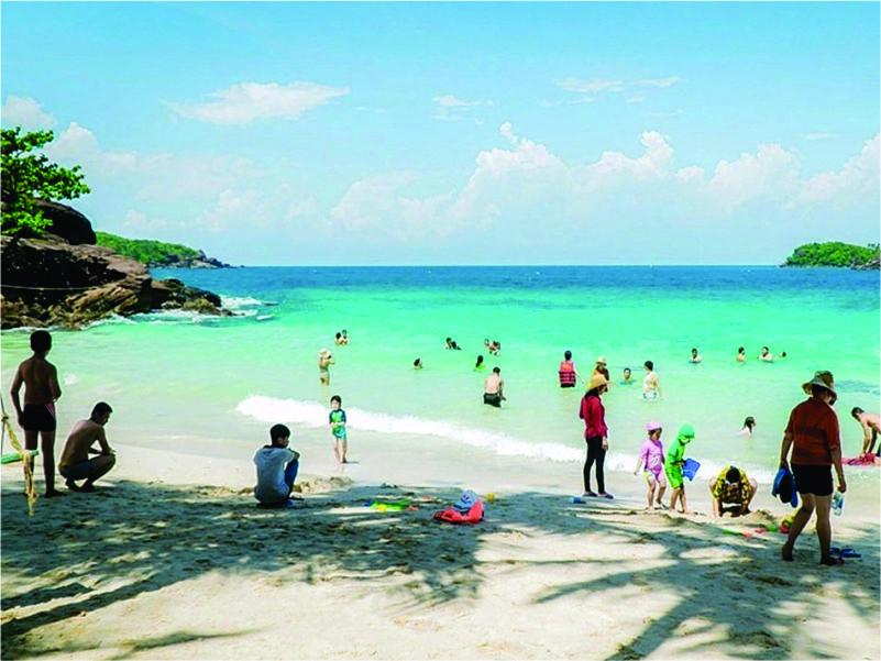 du lịch Phú Quốc tắm biển