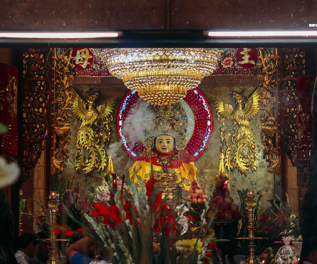 Du lịch tâm linh trong nước - chùa bà Chúa Xứ
