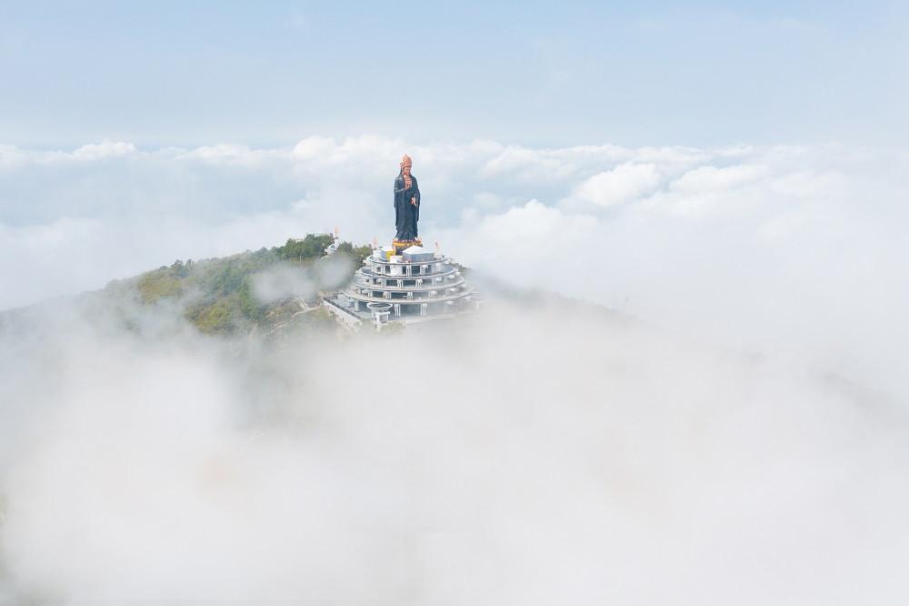 Tượng Phật Bà Tây Bổ Đà Sơn cao 72 mét