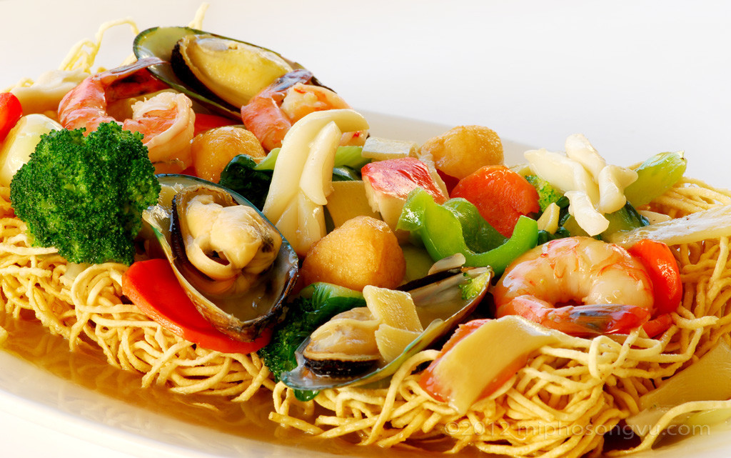 Thưởng thức nền ẩm thực đa quốc gia