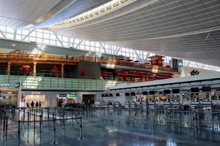 Top 5 sân bay quốc tế đẹp nhất thế giới - ảnh 6