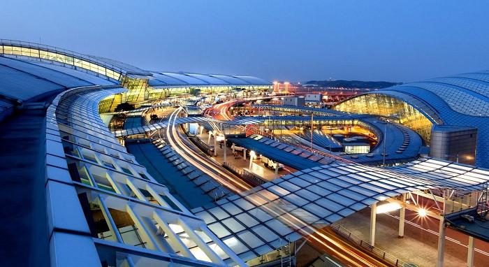 Top 5 sân bay quốc tế đẹp nhất thế giới - ảnh 1