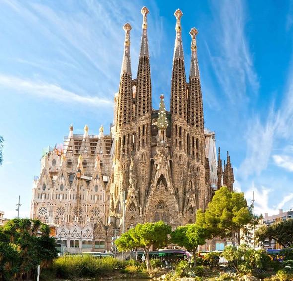 Tây Ban Nha Và Những Điều Thú Vị -Tòa La Sagrada Famalia