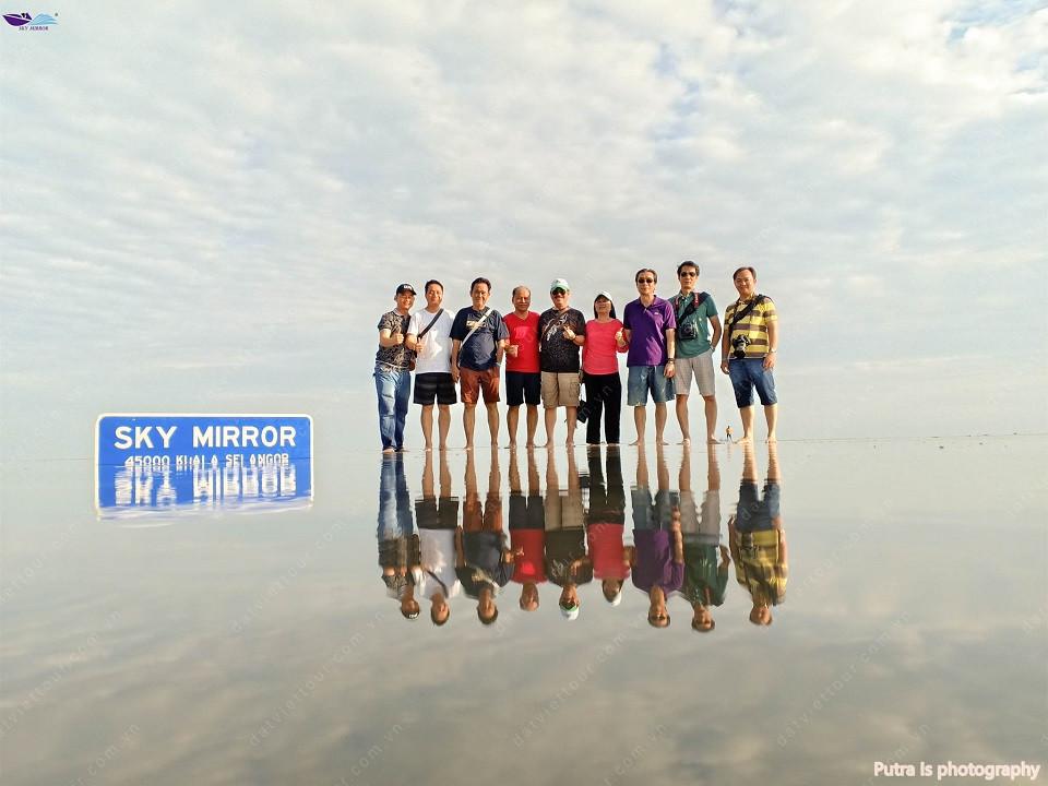 Check-in Sky Mirror - Gương Trời siêu ảo diệu ở Malaysia