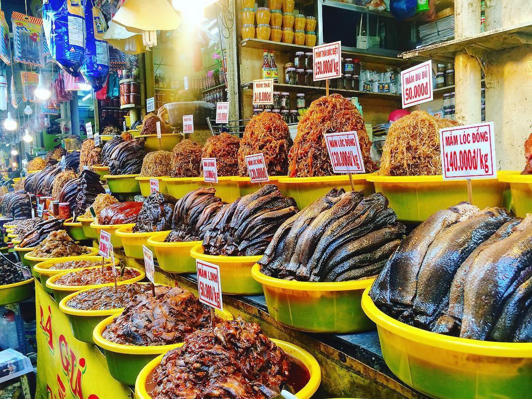 Lạc lối ở chợ Châu Đốc