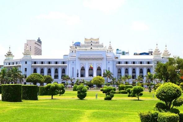 Top 5 điểm đến nổi tiếng tại Myanmar - Tòa thị chính Yangon