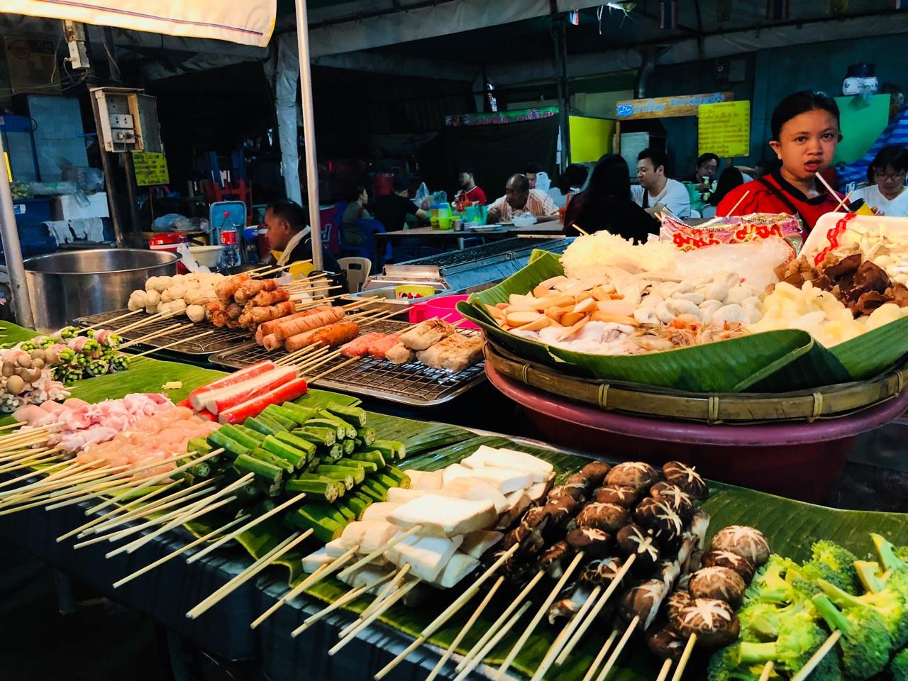 3 khu ẩm thực đường phố Thái Lan không thể bỏ qua trong dịp tết này - Chợ Pratunam 3