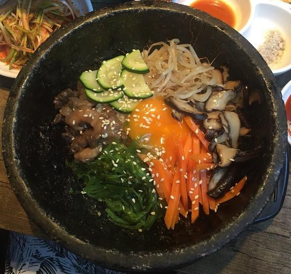 Khám phá 4 nhà hàng đồ nướng ngon nhất Melbourne - Nhà hàng Melbourne Hwaro Korean Barbecue 2