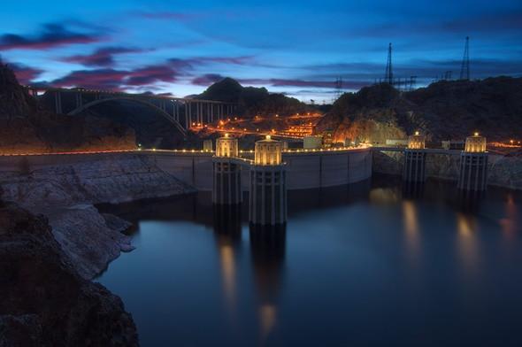 Xiêu Lòng Trước 5 Điểm Đến Đẹp Ngất Ngây Tại Mỹ - Đập thủy điện Hoover Dam