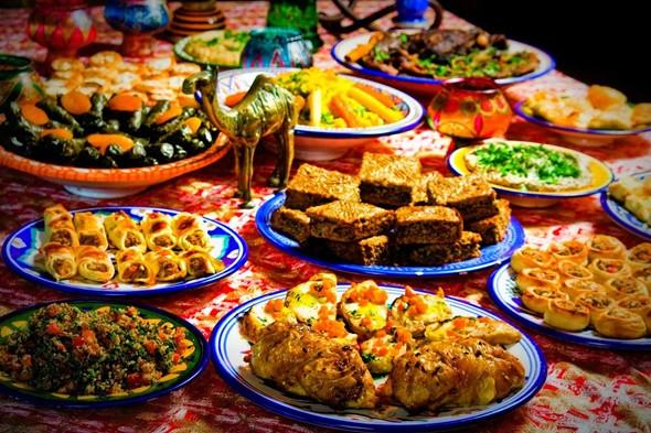 Bao Nhiêu Là Đủ Cho Chuyến Du Lịch Dubai - Ăn uống