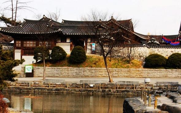 Những Địa Điểm Không Nên Bỏ Qua Khi Du Lịch Hàn Quốc - Làng văn hóa Hanok Bukchon