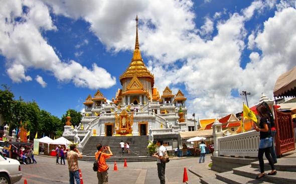 Những Điểm Tham Quan Cực Đẹp Không Nên Bỏ Qua Trong Chuyến Du Lịch Tết Thái Lan - CHùa Phật Vàng