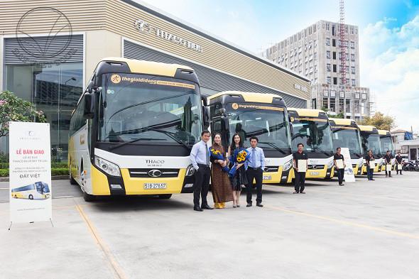 """Đất Việt Tour khẳng định chất lượng với dàn xe siêu """"khủng"""""""