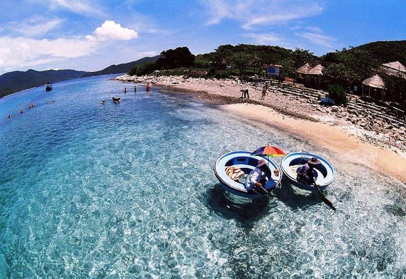 Du ngoạn Nha Trang chinh phục thiên nhiên tuyệt đẹp đảo Hòn Mun - ảnh 2