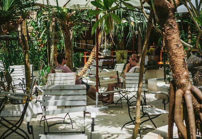 The Fish Hostel & Restaurant