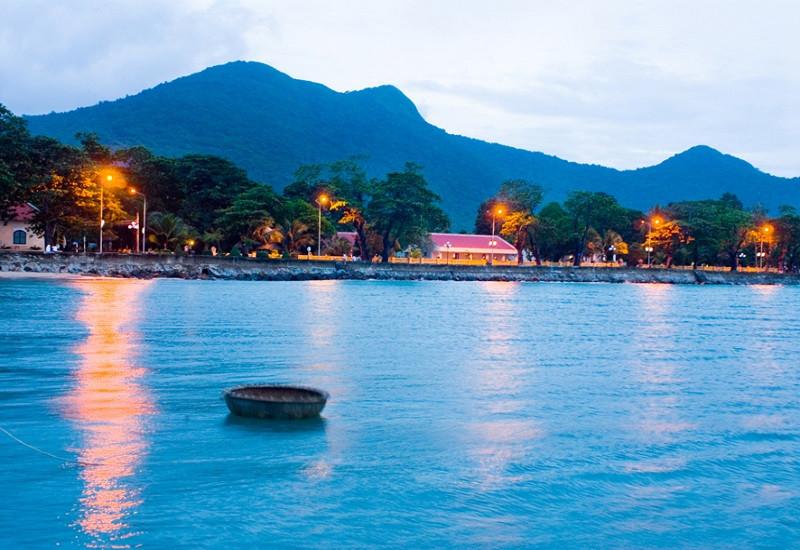 Trải nghiệm sự yên bình tại Côn Đảo trong những ngày hè rực rỡ - ảnh 3