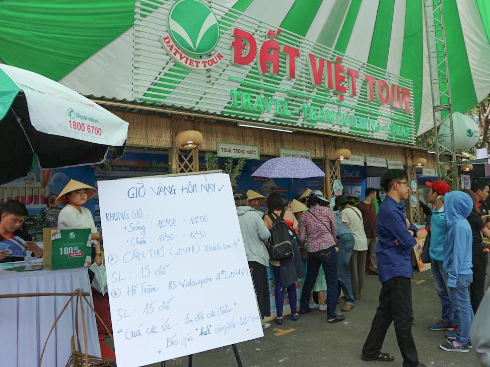 Khung giờ vàng được cập nhật trực tiếp tại Gian hàng Đất Việt Tour