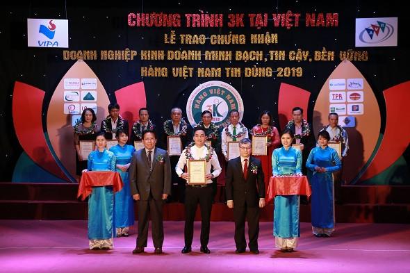 Đất Việt Tour vinh dự được trao chứng nhận Doanh nghiệp kinh doanh minh bạch, tin cậy, bền vững 2019